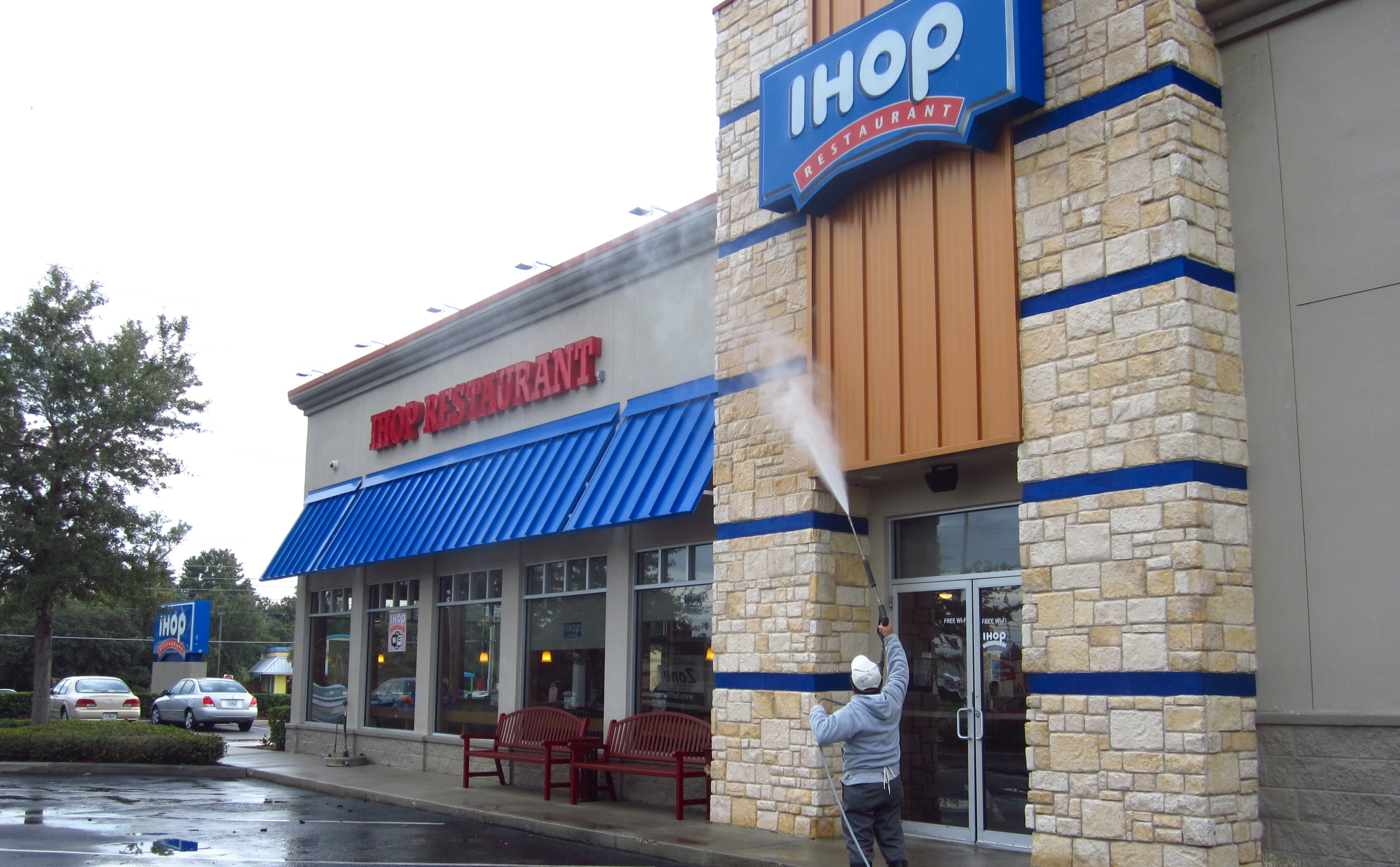 Commercial Power Washing Pensacola