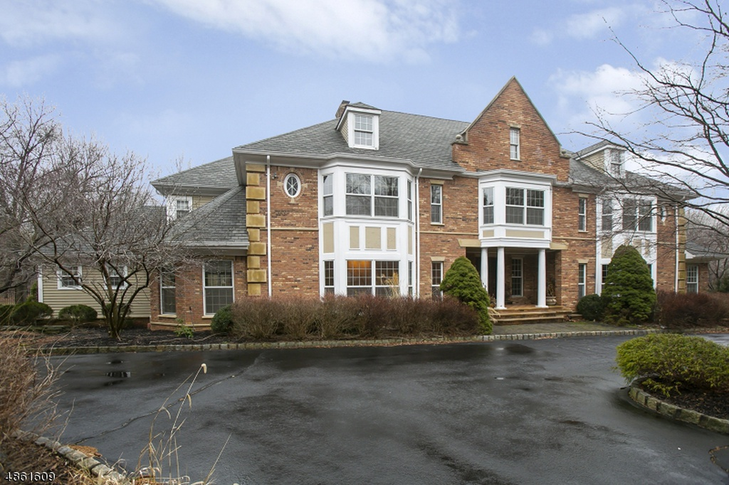 6 Ascott Ln, Morristown, NJ 07960