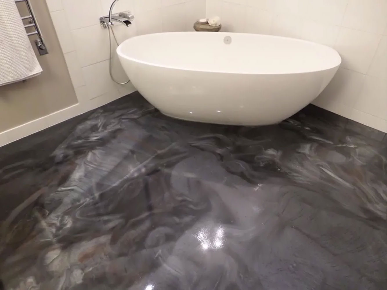 epoxy flooring in bathroom
